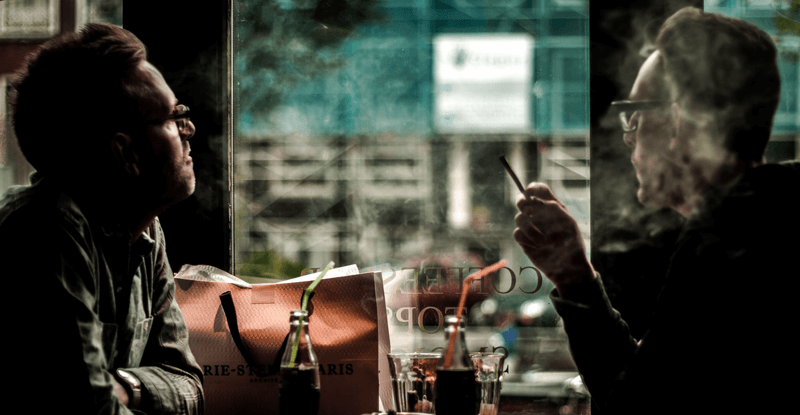Fajčenie marihuany v kaviarni